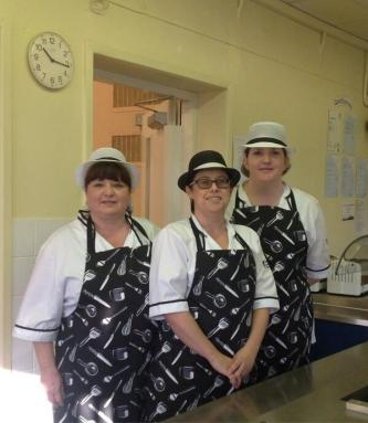 The kitchen staff at Dee Point Primary School in Blacon. Photo:Flickr/Cheshirewest