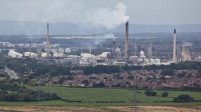 Oil refinery at Ellesmere Port producing carbon emissions in the Cheshire borough (Pic - Lisa Jones)